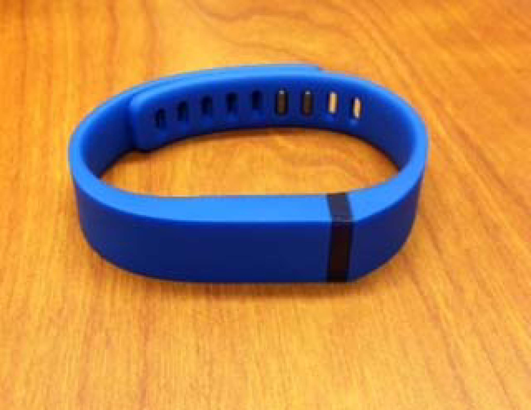 how to manually sync fitbit